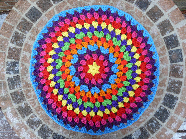 outdoor crochet office, crochetbug, crochet mandala, crochet circles, crochet circle, snowy day