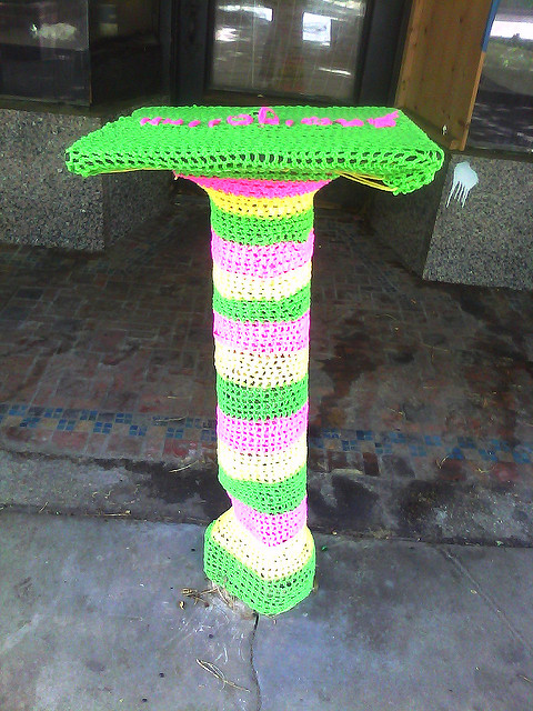 crochet yarn bombing