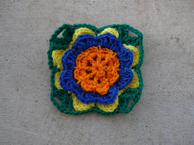 A seventh round of a crochet square