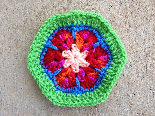 crochetbug, crochet, crochet flower, crochet hexagon, crochet african flower, crochet motif