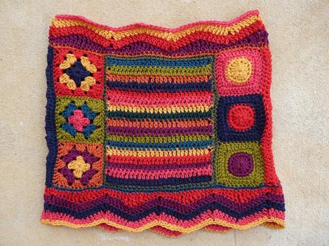 fantascot, crochetbug, crochet ascot, crochet cowl, granny squares, crochet stripes, crochet circles