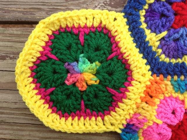 crochetbug, crochet flowers, crochet hexagons, African flower crochet hexagon, crochet meditation, stash buster