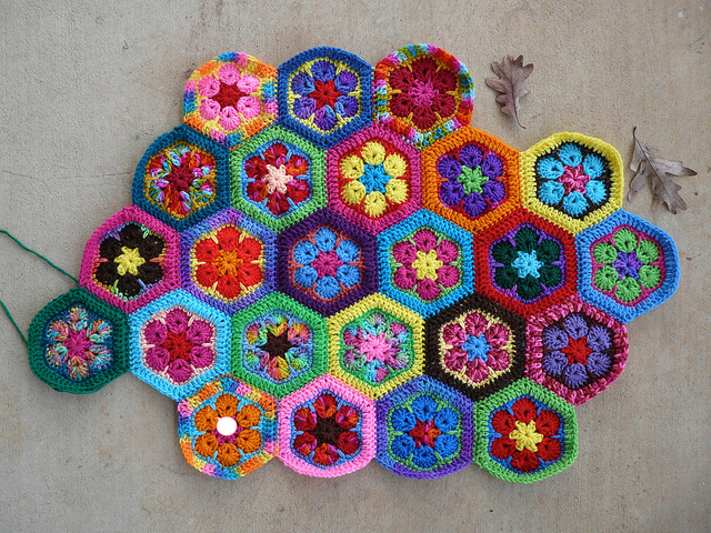 African Flower Hexagon Riedelcasting