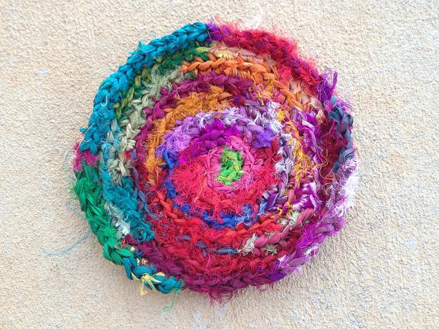 sari ribbon crochet hot pad