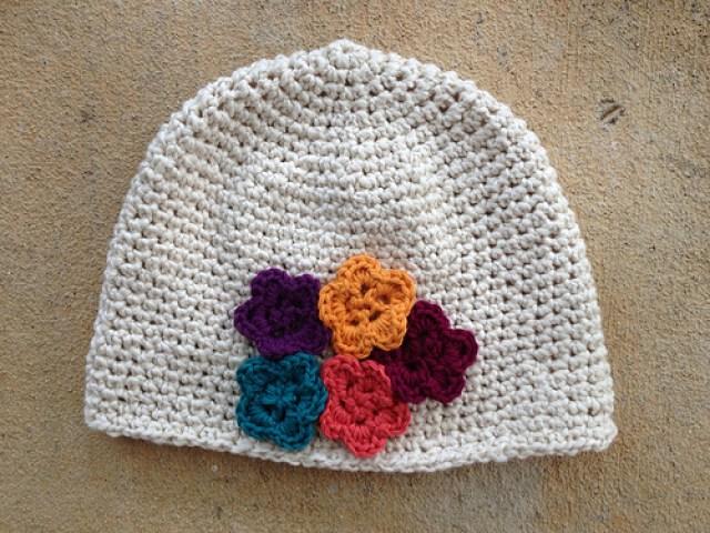 crochet chemo cap with crochet flowers