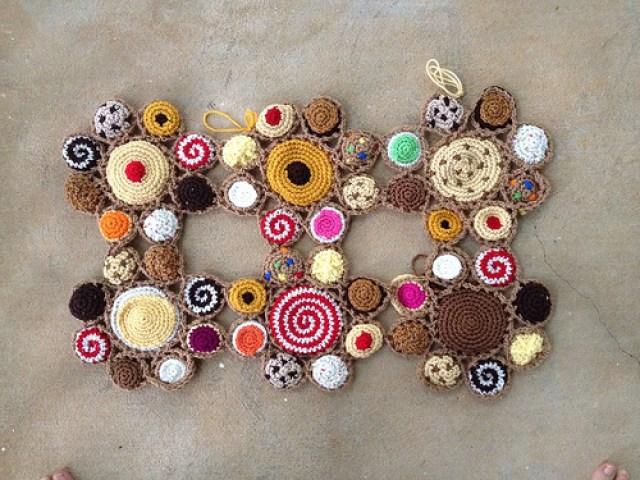 six crochet cookie motifs