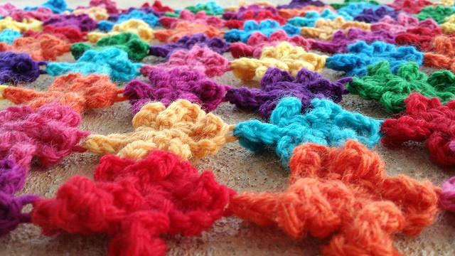 Detail of the six petal crochet flowers