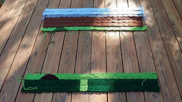 The center crochet panel