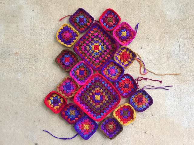 granny squares for a crochet purse