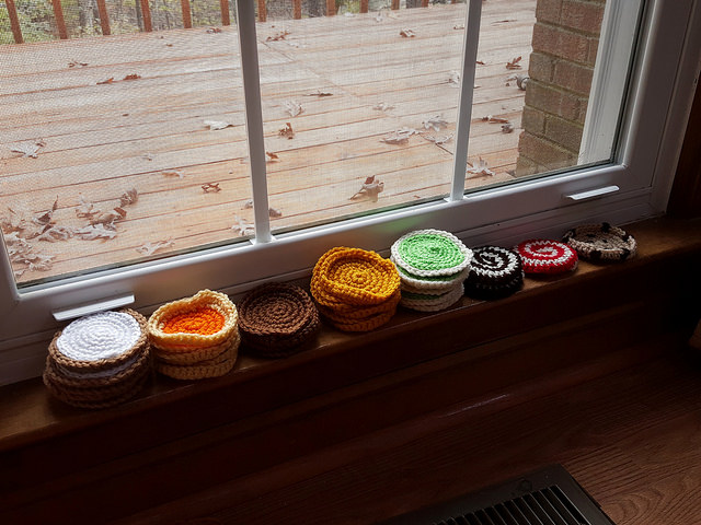 crochet cookies with ends woven in