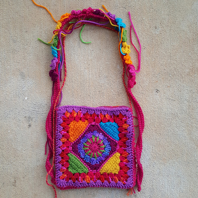 crochet purse takes shape