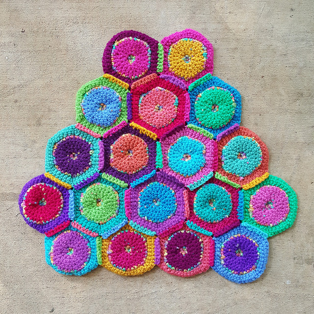 crochetbug, crochet circles, crochet peace sign, crochet purse, crochet hexagons, crochet hexagon