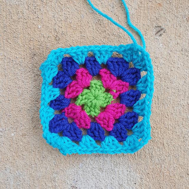 crochetbug, crochet square, granny squares, crochet flowers, crochet roses