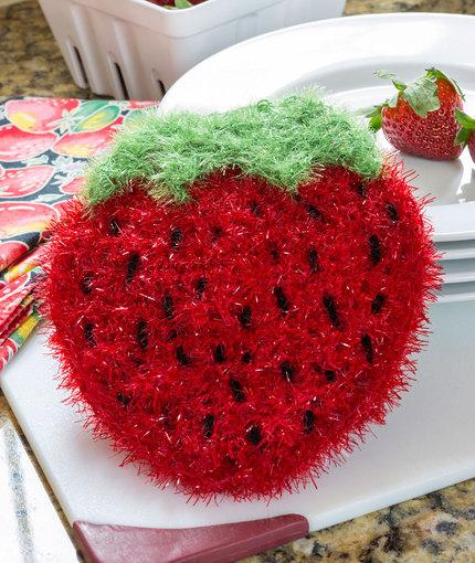 Strawberry Sparkle Scrubby Free Crochet Pattern ⋆ Crochet