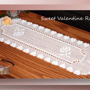 Sweet Valentine Runner - Crochet pattern for a thread filet Valentine runner with roses and bordered with hearts