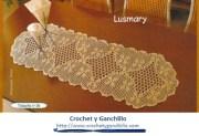 Camino de mesa elegante. Hermoso camino de mesa tejido al crochet
