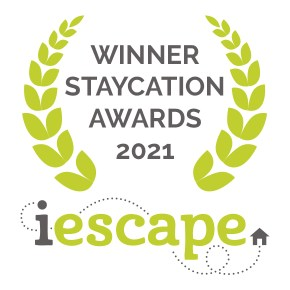 Staycation Award 2021 from i-escape logo