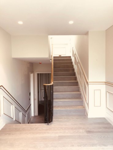 Stairs-to-upper-floors-2
