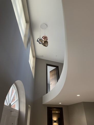 Curved balcony and atrium-Wickham