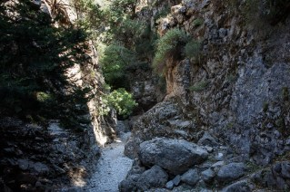 As we approach the main gorge, it starts getting narrower and narrower