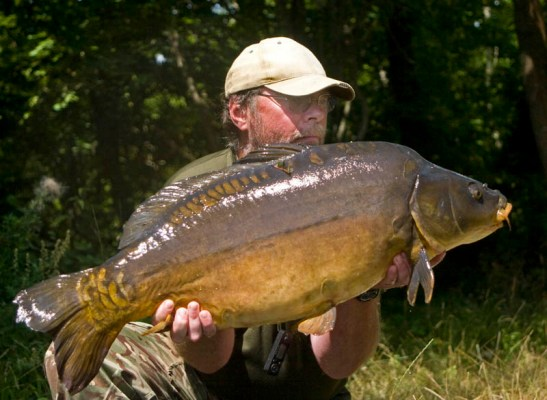 A very dark 33lb mirror that fancied some salt on his food.
