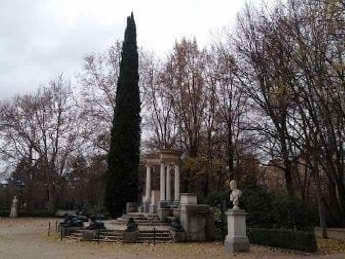 Exedra de la Plaza de los Emperadores