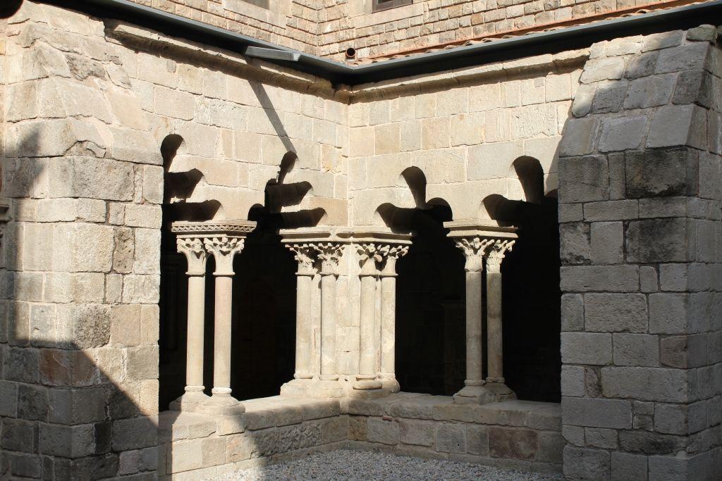 sant-pau-del-camp-barcelona-claustro