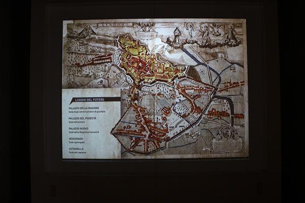 Mapa de las murallas y defensas de la ciudad - Sala 4