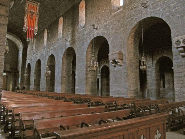 interior_reconstruido-Santa_Maria_de_Ripoll