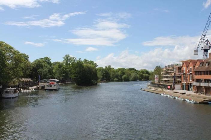 Vista del Támesis desde el Windsor Bridge