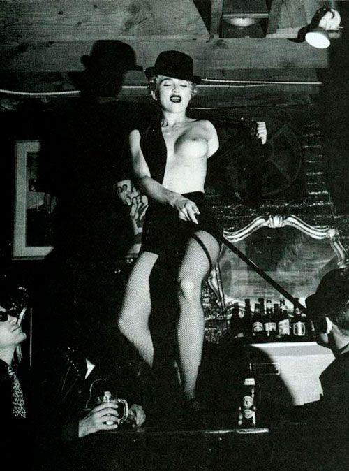 Helmut-Newton.-Madonna.