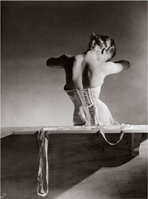 Horst P. Hosrt, The mainbocher corset, 1939.