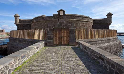 Castillo de San Juan, s. XVII (reconstruído en el XVIII), Santa Cruz de Tenerife.