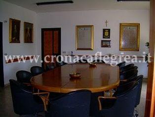 La sala Giunta del comune di Pozzuoli