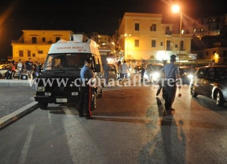 Un posto di blocco dei Carabinieri a Pozzuoli