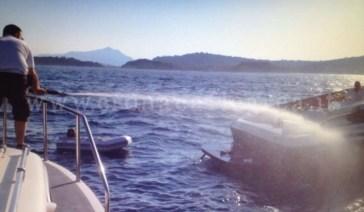 sar barca in fiamme 1