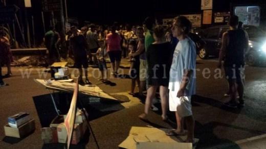 I residenti di Varcaturo in protesta