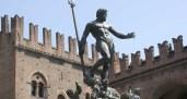 Franceschini stia accorto. Facebook ignorante e bigotto censura il Nettuno di Bologna. Come i russi