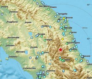 Terremoto 3 scosse a Roma e Centro Italia, bloccata la Metro, tremano i piani alti