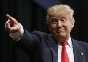 Trump vuol portare le tasse al 25%, pronto alla guerra dollaro vs euro
