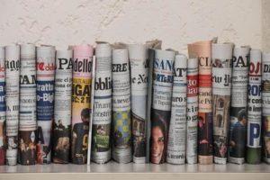 La Stampa si ribella al conformismo, sfida Repubblica e chiama ministro la Fedeli