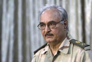 Libia, tutti i silenzi della missione italiana e le minacce di Haftar