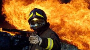 Vigili del fuoco volontari appiccavano roghi per guadagnare, falsi allarmi per 10 euro l'ora