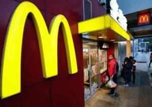Rabbia dei lavorati fast food: una giornata di protesta in tutto il mondo