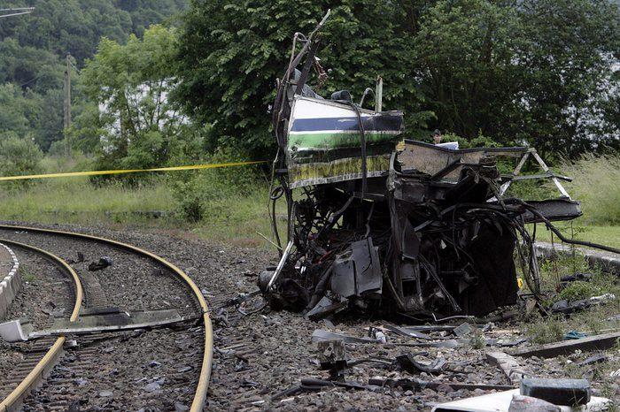 Francia, scontro tra un treno e uno scuolabus: morti 4 bambini. Passaggio a livello era considerato pericoloso