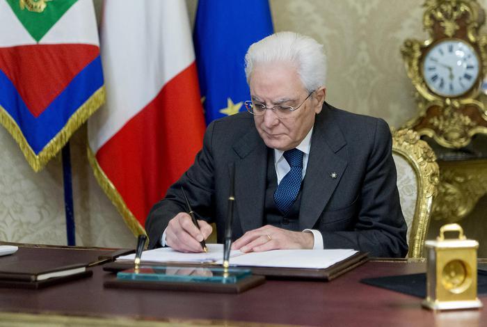 Mattarella scioglie le camere, prossime elezioni il 4 marzo e il 23 insediamento nuovo parlamento