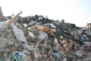 """Traffico di rifiuti in Toscana, discarica vicino scuola. Intercettazione choc: """"Che muoiano i bambini, non mi importa"""""""