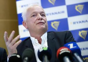 """Ryanair ai piloti italiani: """"Se scioperate il 15 dicembre rischiate sanzioni"""""""