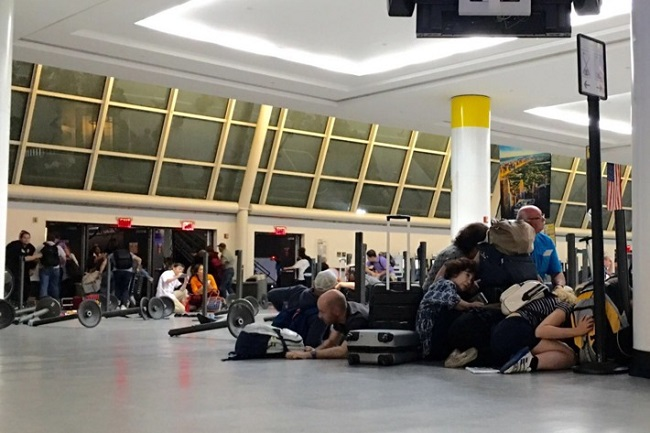 Corsica, paura nell'aeroporto di Bastia: gli spari, una vittima e un ferito grave