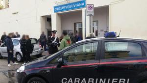 """Baby gang, è emergenza a Napoli: rapine, botte e accerchiamenti ai militari: """"Molti minorenni"""""""